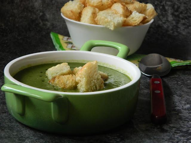 Supa crema de spanac cu broccoli si seminte de chia