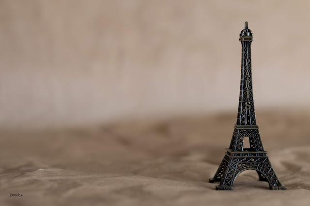 Espacio Negativo en París / Evaldés