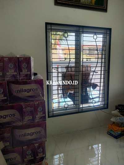 Pintu Kawat Nyamuk Besi dan Teralis Besi pesanan Pak Kartono di Cibinng - Order Ketiga