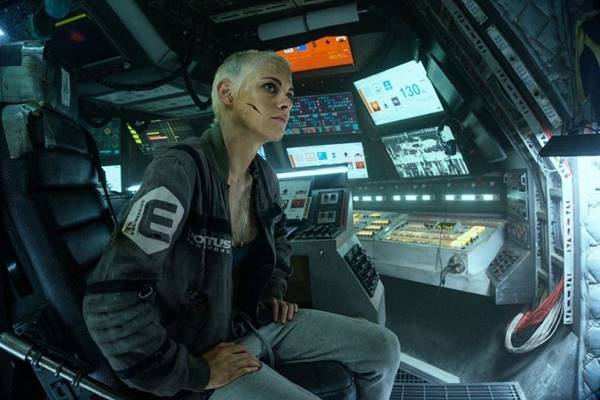 Review Film Underwater (2020) Bahasa Indonesia