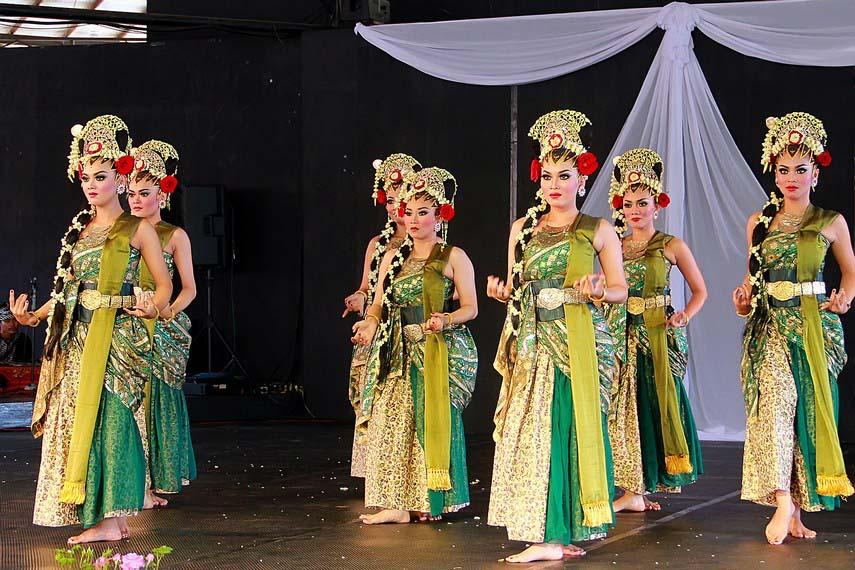 Pertunjukan Tari Iswara Gandrung