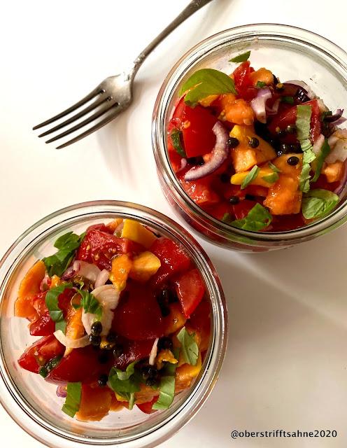 Tomate-Papaya Salat