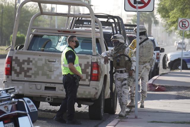 Un Convoy de 11 Sicarios en 4 Camionetas que circulaban armados del Cártel de Sinaloa es capturado y ofrecen dinero para ser liberados a Militares