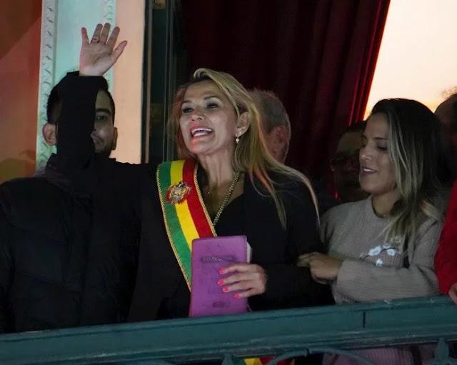 Presidenta de Bolivia invita a Guaidó a designar nuevo embajador
