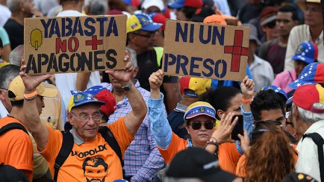 Un investigador venezolano denunció que los apagones son parte de una estrategia del régimen chavista