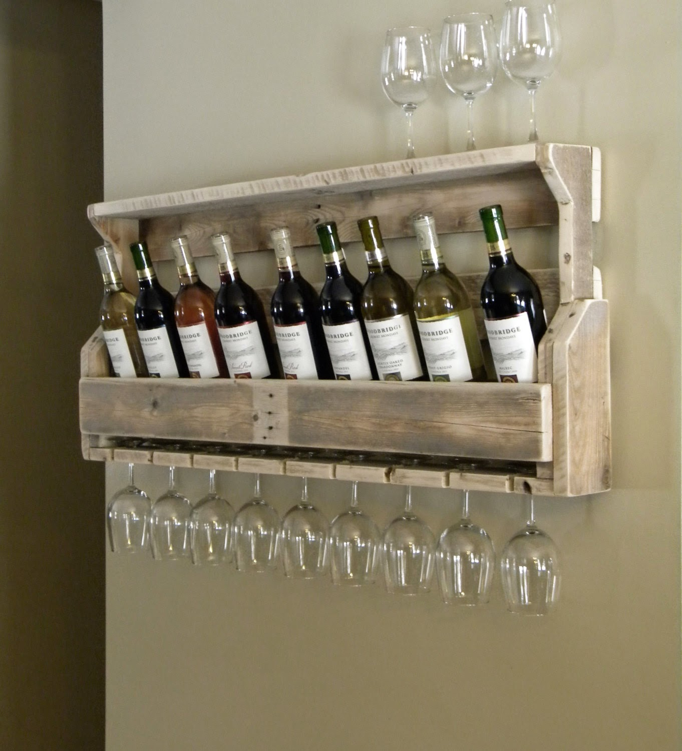 How To Recycle 22 Recycled Wine Rack Designs