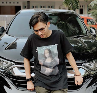 Billy Joe Ava dan Mobil