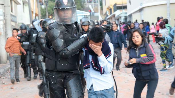 protestas colegio montufar reubicacion profesores