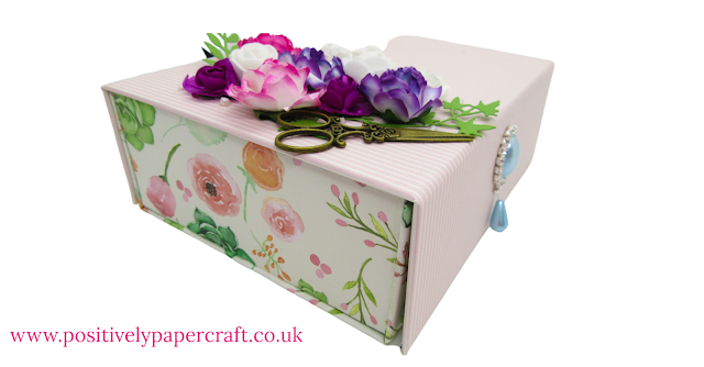 Easy chipboard storage box