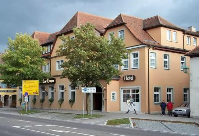 https://www.booking.com/hotel/de/rappen-rothenburg-ob-der-tauber.en.html?aid=960979&no_rooms=1&group_adults=1