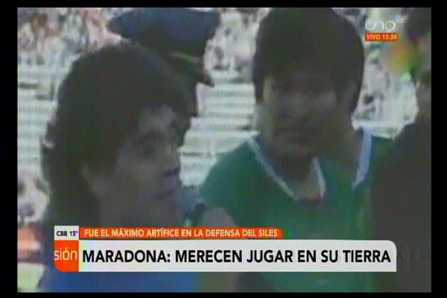 Se fue Diego A. Maradona, el genio del balón que abogó porque se juegue en la altura de La Paz