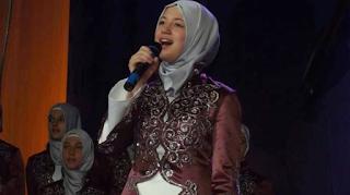 Foto-Selma-Bekteshi-Tampil-Bersama-Nasyid-Medreseja