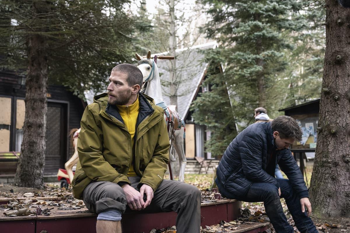 Рецензия на фильм «Охотник и добыча» - никудышный сурвайвл-триллер от Netflix - 01