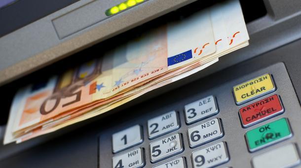 Τσουχτερές χρεώσεις έρχονται από Δευτέρα στα ATM