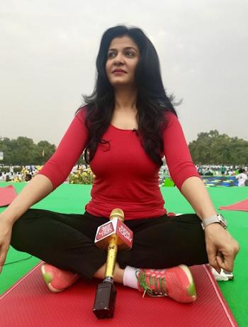 Anjana om kashyap wiki, age, salary, husband