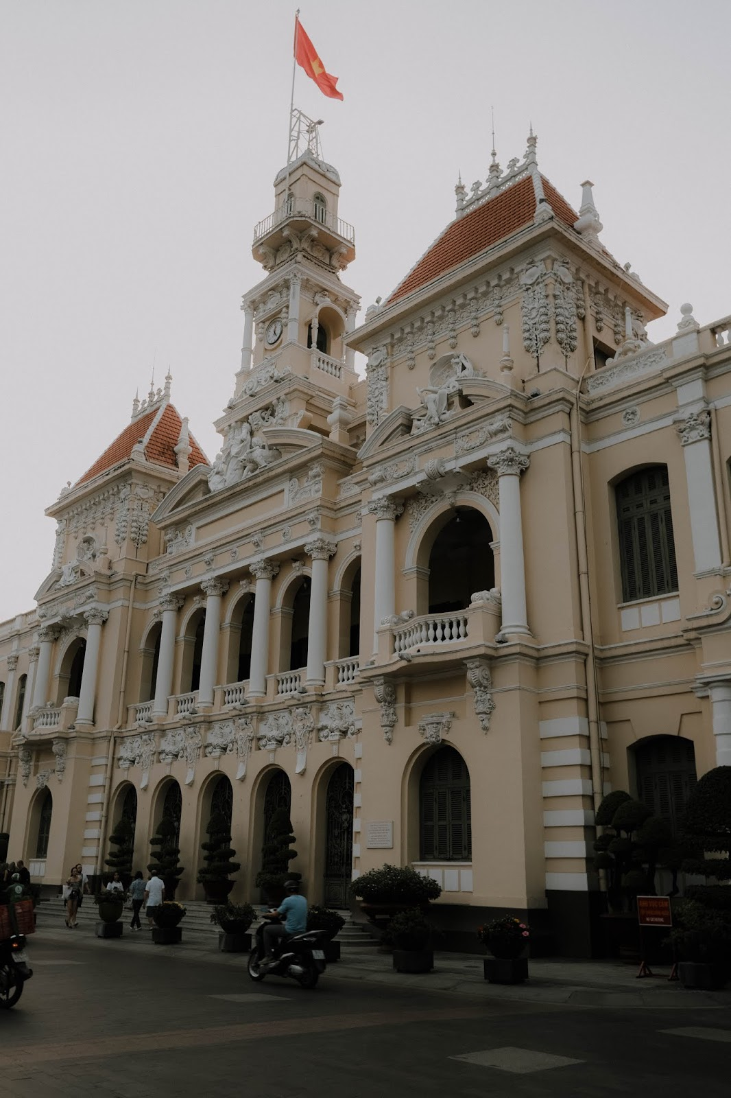 Bash Harry of Hey Bash, a Brunei life & style travel blog, shows you the best places to go in Ho Chi Minh City (also known as Saigon), Vietnam under 1 day in this travel guide