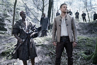 Djimon Hounsou and Charlie Hunnam in King Arthur: Legend of the Sword (22)