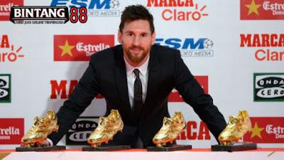 Raih Sepatu Emas, Messi Samai Rekor Ronaldo
