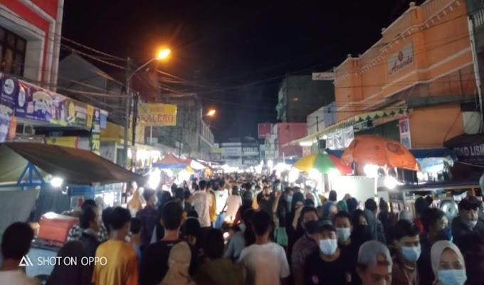 Parah!! Selain Langgar Prokes, Kondisi Pasar Royal Serang Juga Jadi Sasaran Pungli Parkir
