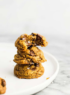 Recipe for vegan pumpkin chocolate chip cookies
