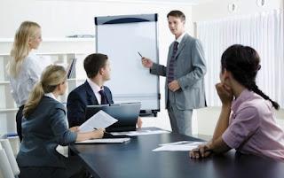 Penjelasan komunikasi pemasaran menurut ahli