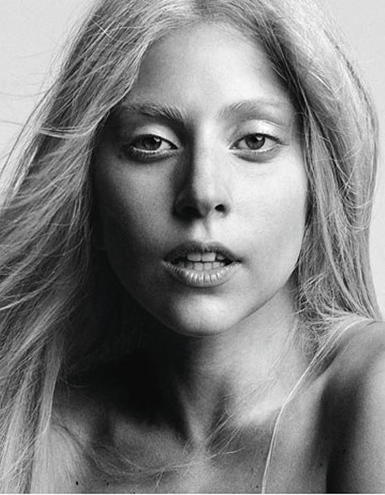 Lady Gaga Goes Natural