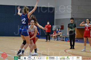 Las canteranas del CAB Linares marcan su dominio en la Liga Provincial Femenina tras vencer dos encuentros durante el puente