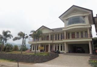 Villa labagasta istana bunga lembang