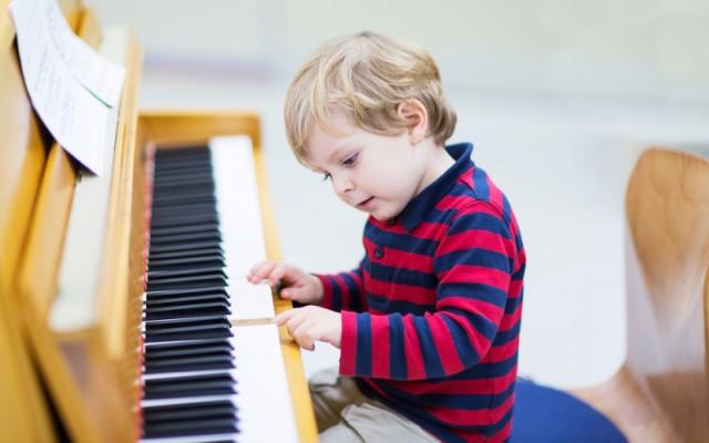 9 تقنيات سريعة ومثبتة لتعزيز ذاكرة طفلك