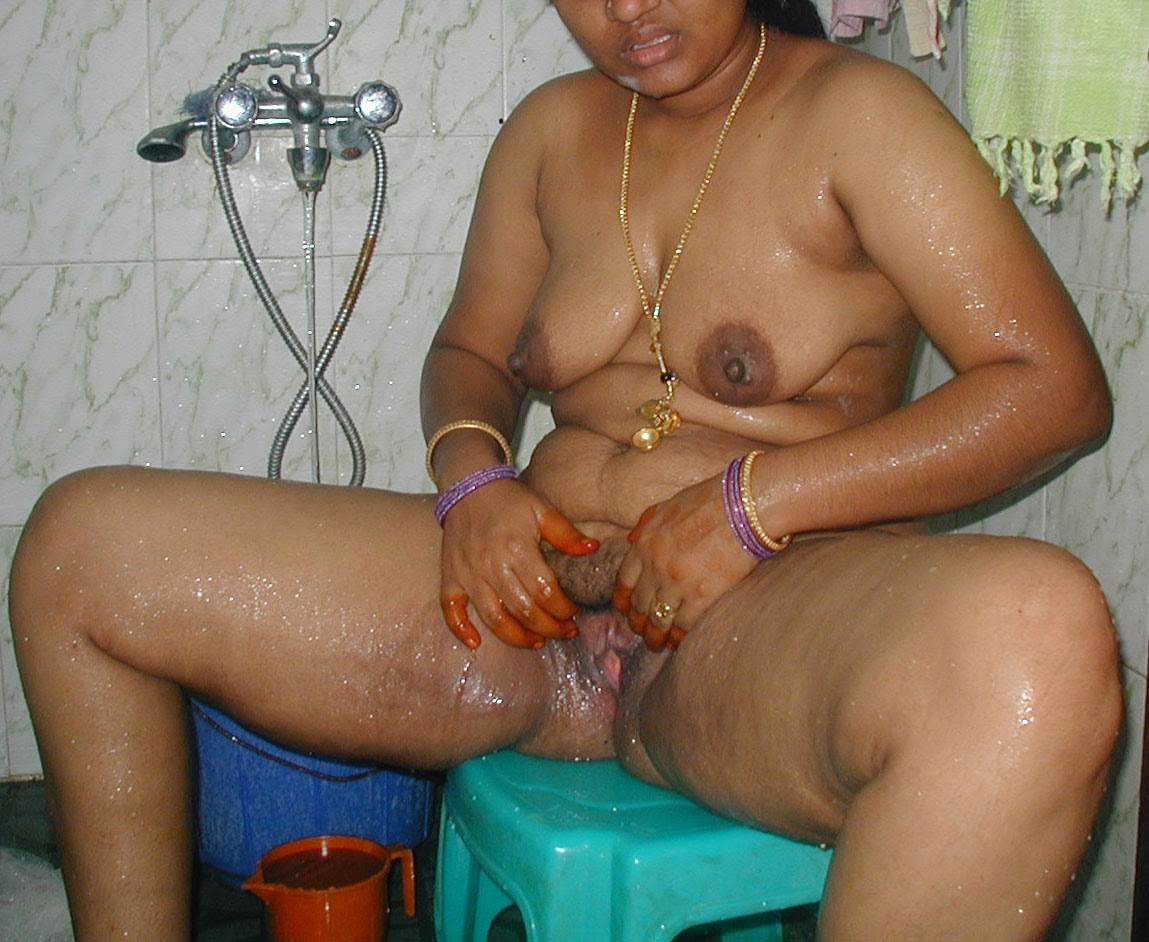 Indian Aunty Sexy Bath