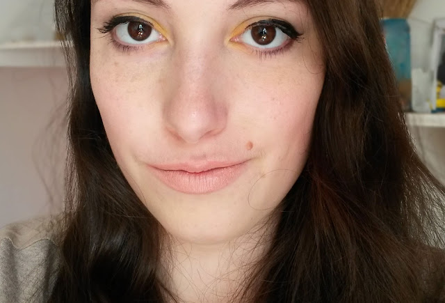Tutoriel maquillage jaune