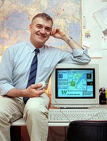 Robert_Cailliau_On_Desk (1995)