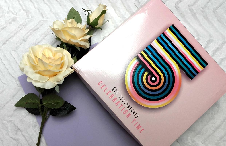 5TH ANNIVERSARY SHINY BOX - CELEBRATION TIME | Prezentacja zawartości