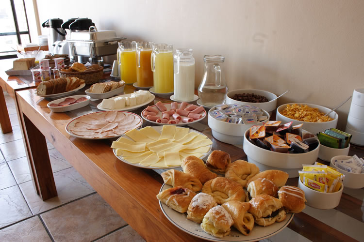 Desayuno de domingo en honor al señor mesero