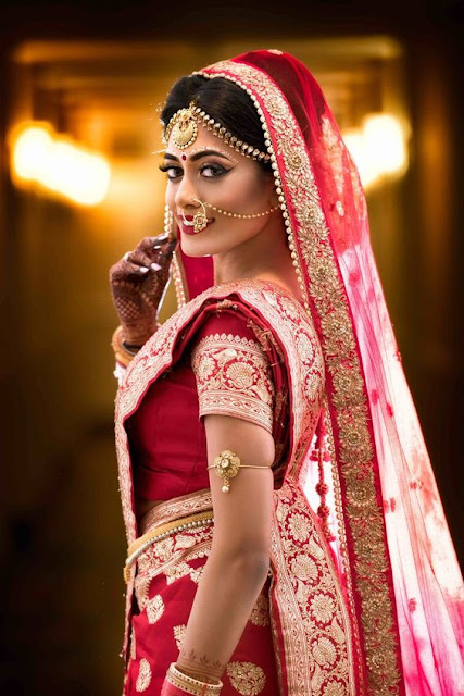 How to pose for Indian Bridal Photo Shoot side pose