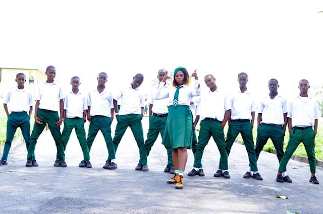 'I Don't Want To Leave Rivers State': Corper Strikes A Pose With Her Students