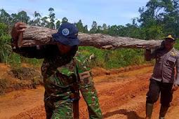 Kerja Bhakti, TNI-Polri Bersinergi Perbaiki Jalan di Distrik Jagebob
