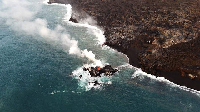 New Island of Lava Growing Off the Coast of Hawaiian Island