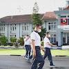 Danlantamal VI Bersama Personelnya  Olahraga Senam Aerobik Dan Jalan Santai