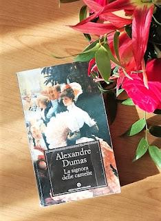 La signora delle camelie – Alexandre Dumas {Recensione no-spoiler} Felice con un libro