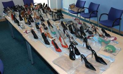 رجل أعمال يغتصب 120 امرأة ويجمع أحذيتهن
