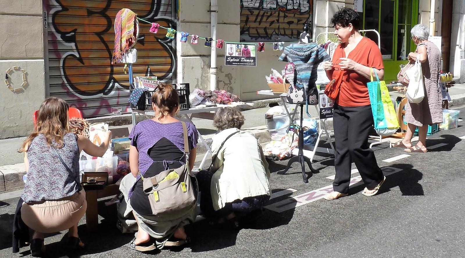 sylvie damey patrons de crochet et ateliers en vercors expo test de crochets et puces de. Black Bedroom Furniture Sets. Home Design Ideas