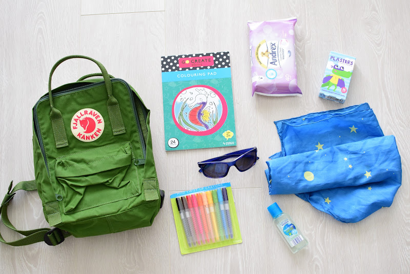 FAMILY VACATION TIPS: PROVIDE CHILD FRIENDLY TRAVEL KITS
