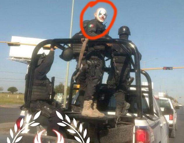 Captan a policial retando al CJNG en Tamaulipas cazándolos así como ellos con mascaras de payasos