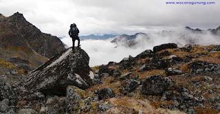 Tips Mendaki Gunung dengan Aman Bagi Pemula