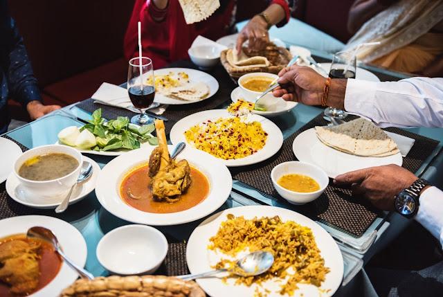 Jelaskan yang dimaksud food gathering dan food producing