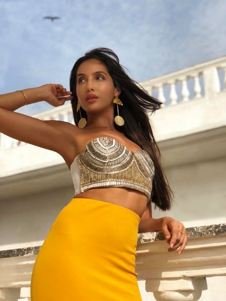 dilber seong actress nora fatehi latest pic
