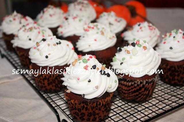Portakal Aromalı Kakaolu Cupcake