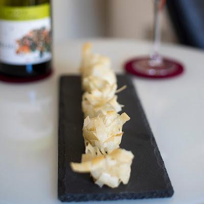 receta para hacer un aperitivo de pasta filo con queso parmesano