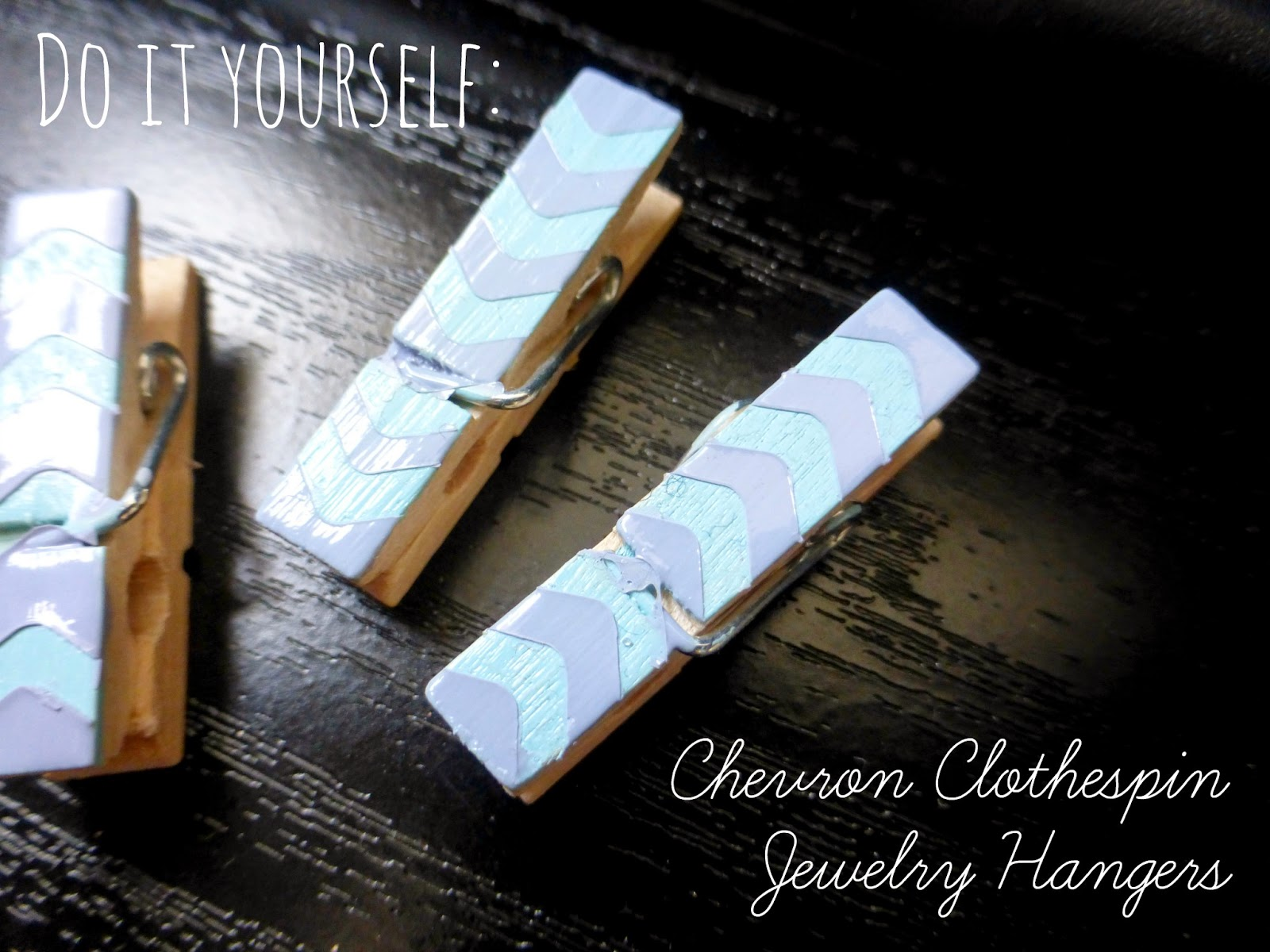 DIY: Chevron Clothespin Jewelry Hangers